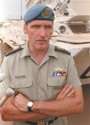 Roméo_DALLAIRE.Général_MINUAR